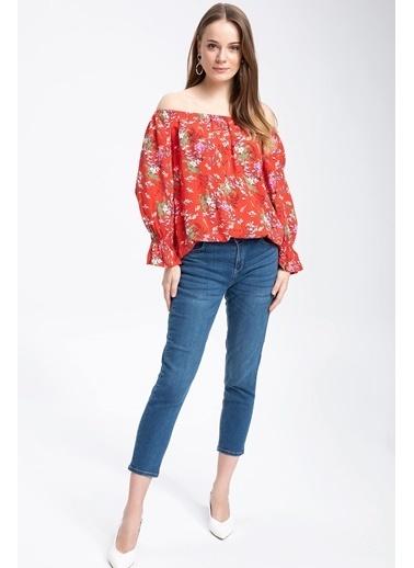 DeFacto Kol Ucu Volanlı Karmen Yaka Çiçek Desenli Bluz Kırmızı